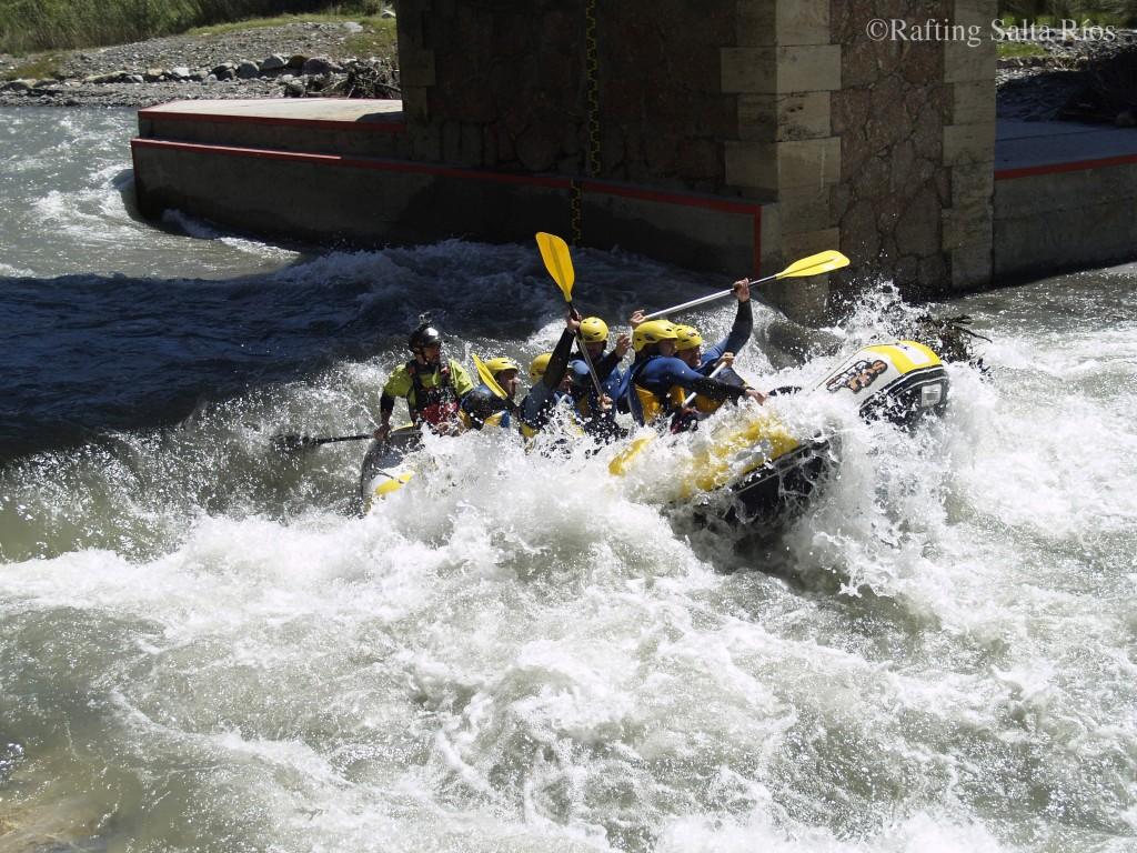 El segundo tramo de rafting del Guadalfeo es más técnico.