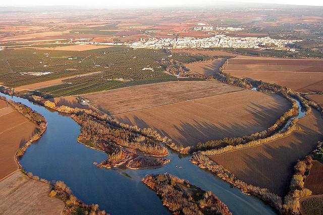 Desembocadura del río Genil en el río Guadalquivir